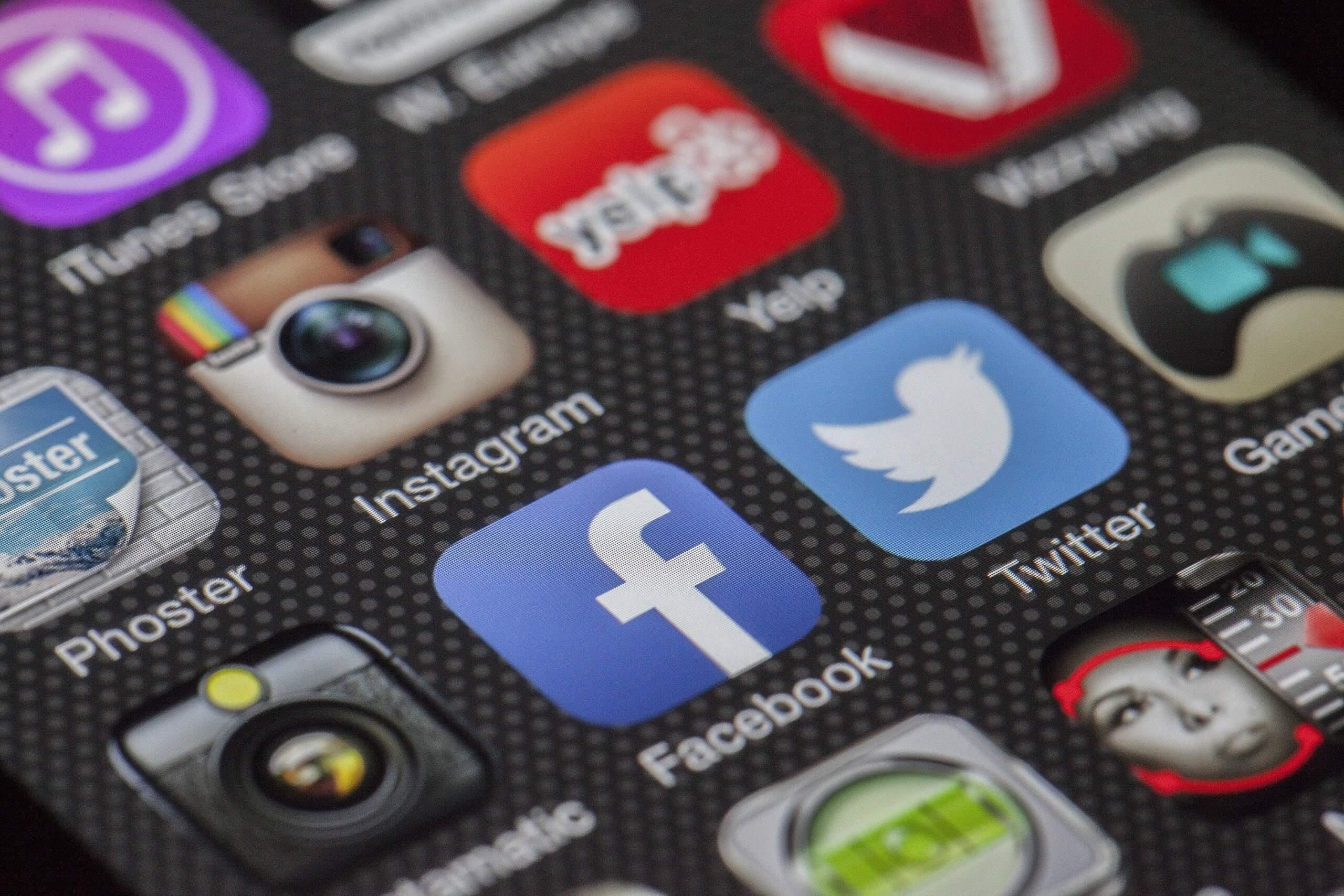 servicio social media
